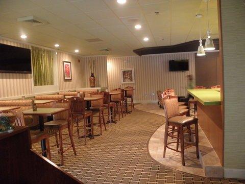 фото Holiday Inn Roanoke - Tanglewood Route 419 & I 581 488037126