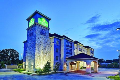 фото La Quinta Inn & Suites DFW Airport West - Euless 488041017