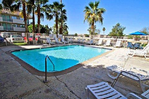 фото Motel 6 Phoenix West 488042083