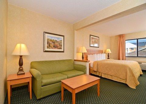 фото Baymont Inn & Suites - Waterloo 488042097