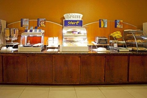 фото Holiday Inn Express Hotel & Suites Jacksonville - Mayport / Beach 488044119