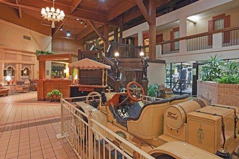 фото Holiday Inn Perrysburg French Quarter 488045056
