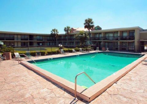 фото Holiday Inn Waycross 488045840