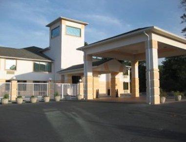 фото Executive Inn and Suites Sandersville 488046521