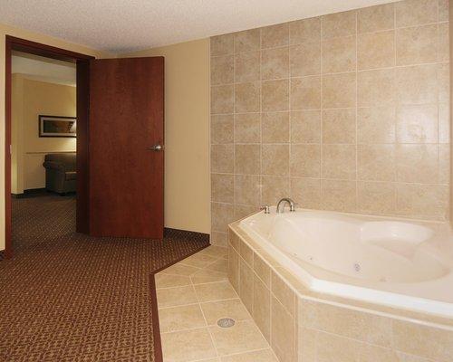 фото Comfort Suites Gettysburg 488046661