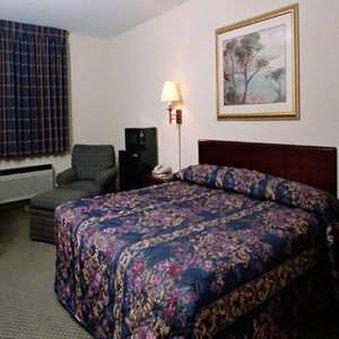 фото Brookwood Inn of Durham 488046878