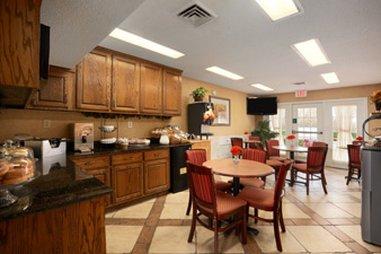 фото Baymont Inn & Suites - Duncan 488050375