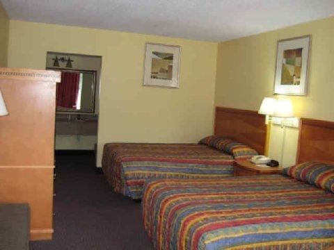 фото Nassau Holiday Motel 488051757
