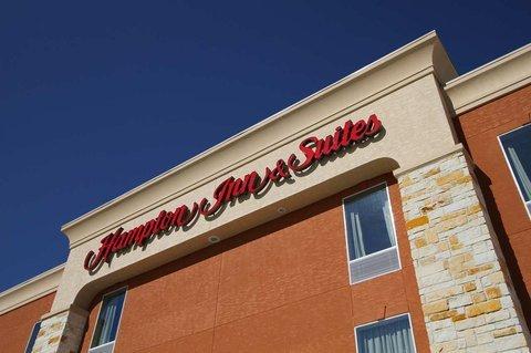 фото Comfort Inn And Suites Winnie 488053940