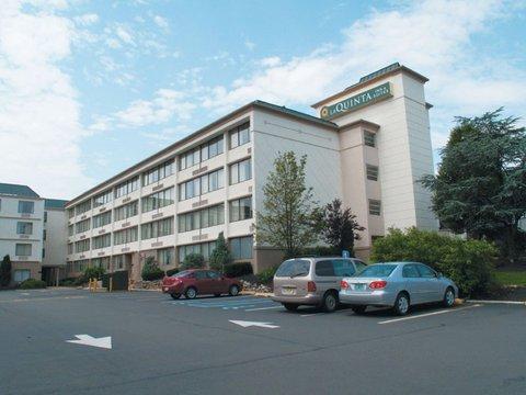 фото La Quinta Inn & Suites Clifton/Rutherford 488061738