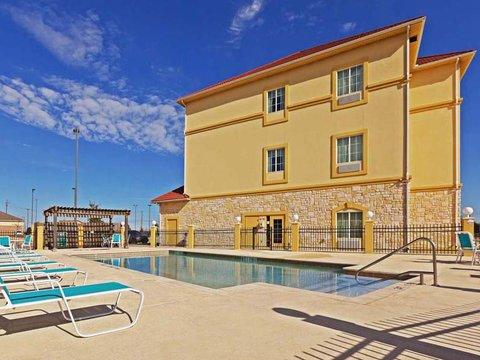 фото La Quinta Inn & Suites Waxahachie 488064834