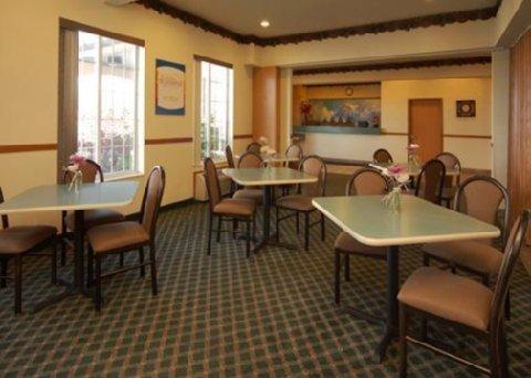 фото Comfort Inn Evanston 488065855