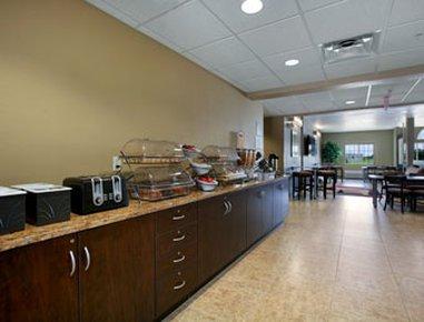фото Microtel Inn & Suites by Wyndham Bluffs 488067425