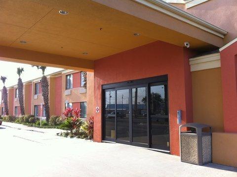фото Hathaway Inn (Formally Known As Sleep Inn) 488067515