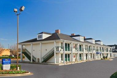 фото Baymont Inn and Suites - Warner Robins 488070504