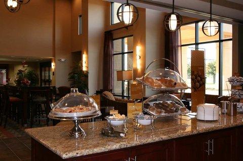 фото Hampton Inn & Suites West Point 488071915