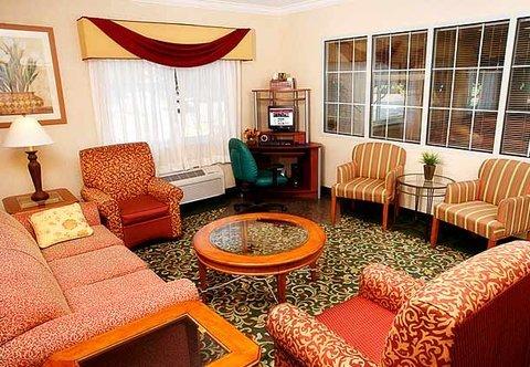 фото Fairfield Inn & Suites Dallas Park Central 488073803