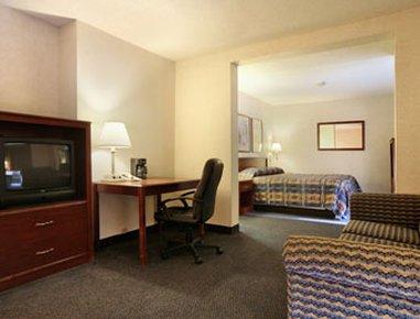 фото Howard Johnson Inn & Suites Springfield 488078116