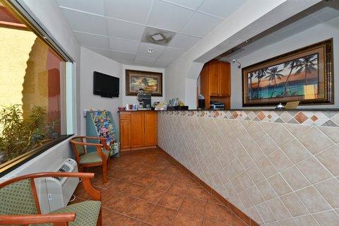 фото Americas Best Value Inn Daytona Beach Ocean Front 488078456