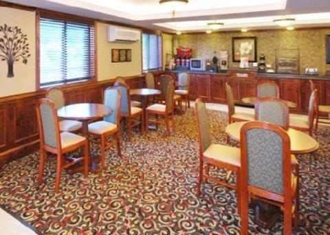 фото Comfort Inn & Suites 488080400