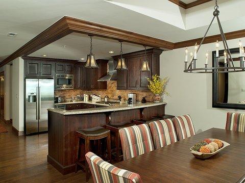 фото Legendary Lodging at the Ritz Carlton Residences Vail 488083309