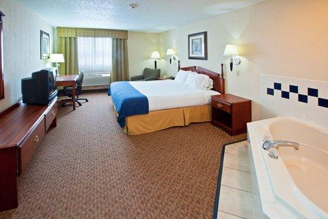 фото Holiday Inn Express Bluffton Hotel 488085137