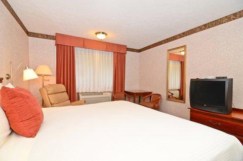 фото Best Western Riverside Inn 488085919