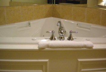 фото Home-Towne Suites Tuscaloosa 488086311