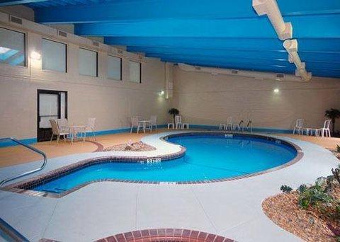 фото Comfort Inn & Suites Fall River 488088968
