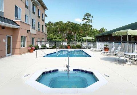 фото Fairfield Inn and Suites Charleston North/University Area 488088998