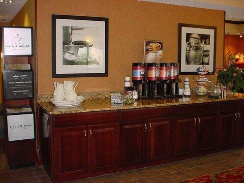 фото Hampton Inn South Of Disney 488091157
