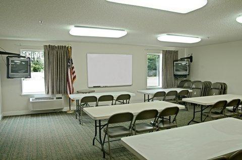 фото Red Roof Inn Pensacola East - Milton 488093359