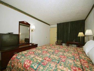 фото Days Inn Dickson 488099492