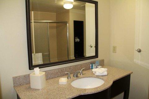 фото Hampton Inn & Suites Plattsburgh 488102089
