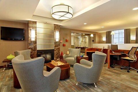 фото River Hotel 488102360
