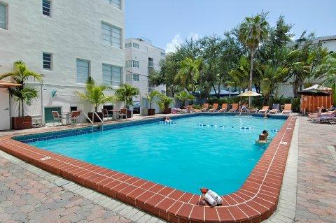 фото The Carlton Hotel 488105086