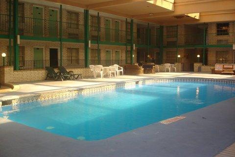 фото Luxury Inn & Suites 488108745