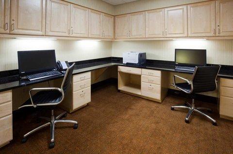 фото Hampton Inn & Suites Minot 488109219