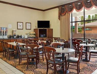 фото Comfort Suites Lexington 488112292