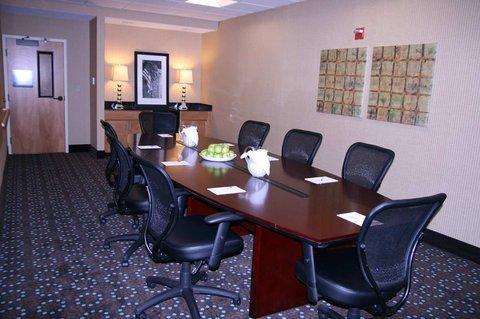 фото Hampton Inn & Suites Canton 488112473