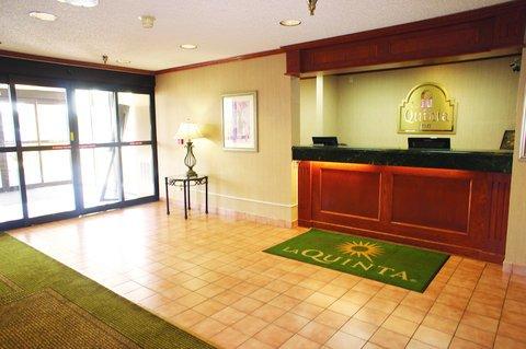 фото La Quinta Inn Detroit Southgate 488115298