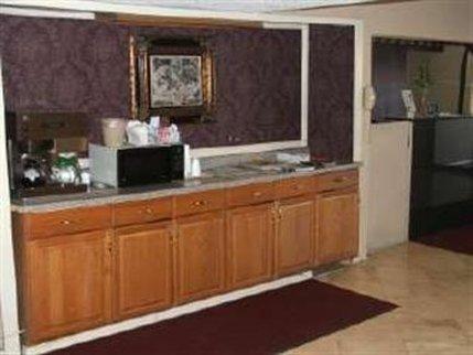фото Americas Best Value Inn and Suites Denton 488117690