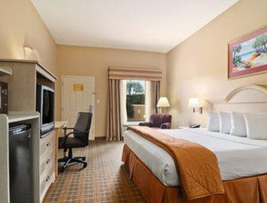 фото Baymont Inn and Suites Crestview 488117708
