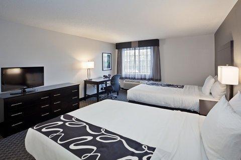 фото La Quinta Inn & Suites Cleveland-Macedonia 488120023