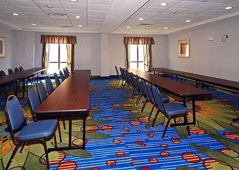 фото Comfort Suites Mineral Wells 488121621