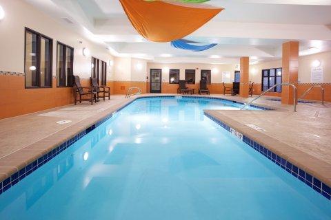 фото Holiday Inn Express Hotel & Suites Denver Northeast-Brighton 488122381