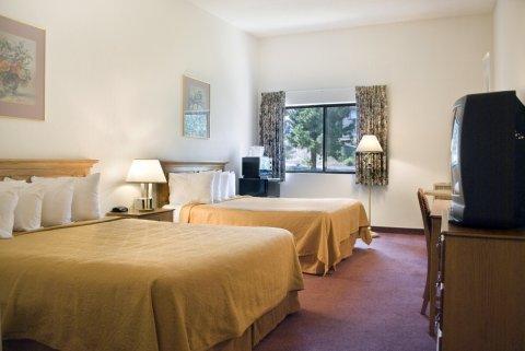 фото Quality Inn Mammoth Lakes 488123836