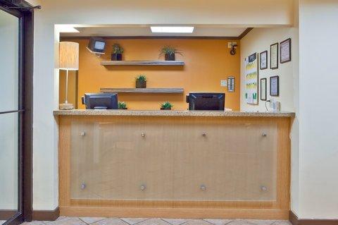 фото La Quinta Inn & Suites Columbus State University 488124949