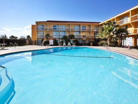 фото La Quinta Inn & Suites Redding 488126631
