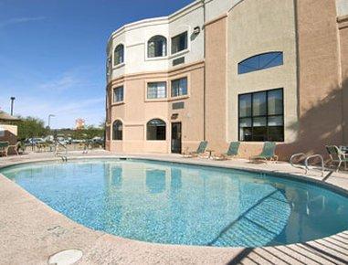 фото Days Inn and Suites - NW Tucson / Marana 488128211